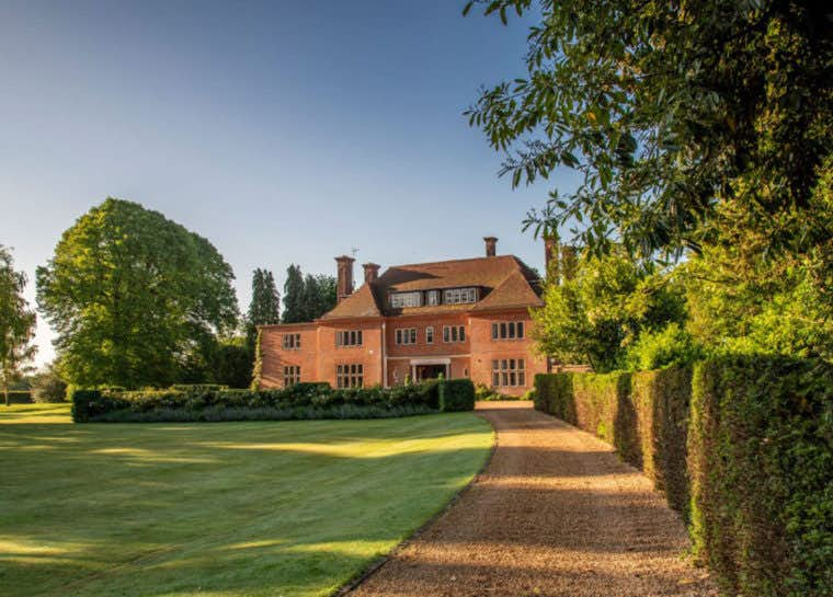 Banstead-Manor-1120x800